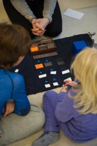 Bilde fra Vollen Montessoriskole. Foto: Tomas Moss.