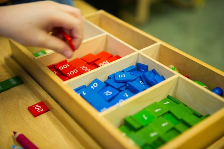 Skolene åpner helt – og materiell kan brukes i én kohort